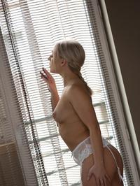 Hot Blonde Babe Amber Deen Nude In Her Bedroom