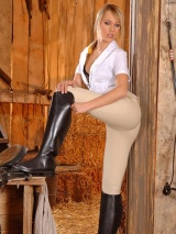 Blue Angel Fingering In Barn