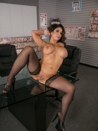 Big Tit Office Chicks: Raven Hart