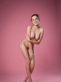 Gorgeous Ulia Is Posing Naked In The Studio