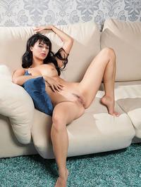 Luxury Yarina