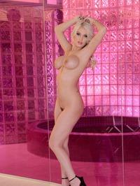 Kenzie Taylor Gets Nude