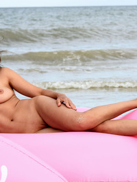 Sexy Suzanna Nude On The Beach