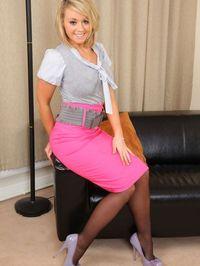 Stunning secretary Melissa D