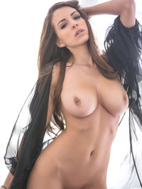 Shelby Chesnes Modern Woman