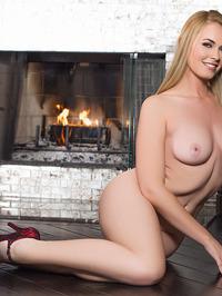 Blonde Playboy Beauty Bailey Rayne Nude
