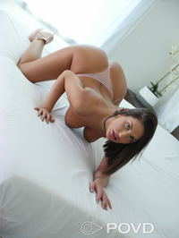 Curvy Babe August Ames Strips And Spreads