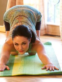Logan Drae Extreme Flexibility