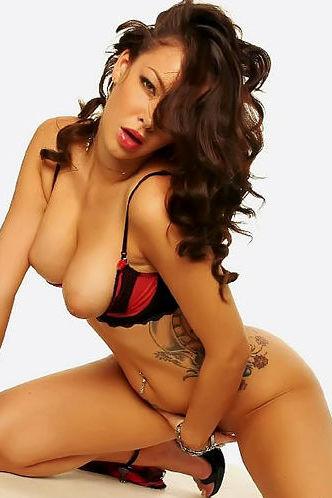 Natalia Cruze sexy nude