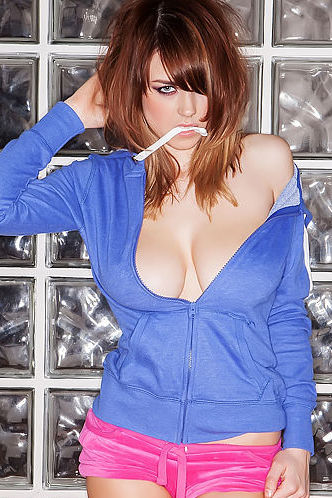 Danielle Sharp Pinup