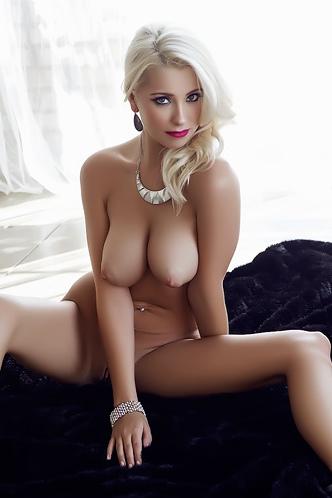 Alissa Arden Blonde