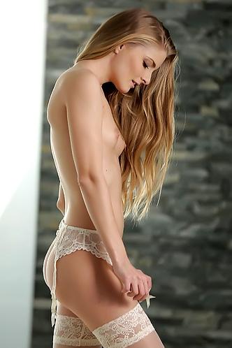 Cayenne Klein Hot Pussy Play