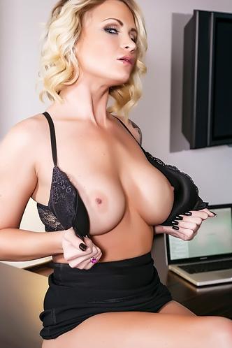 Daisy Monroe Strips