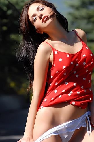 Beautiful Babe Karina