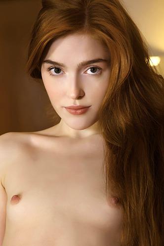 Sunning natural redhead Jia Lissa