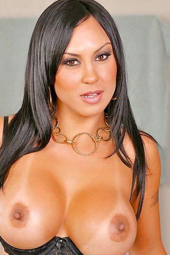 Mariah Milano strips down