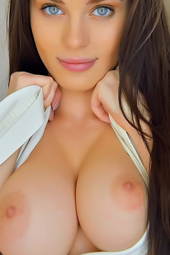 Awsome Brunette Girl Lana