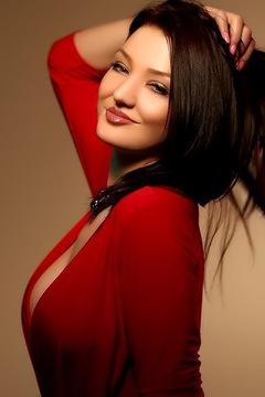 Marvelous Anya Busty Webcam Model