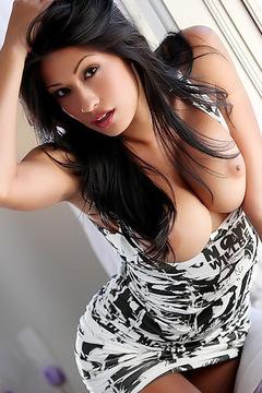 Hot Stunner Jasmine Foxx